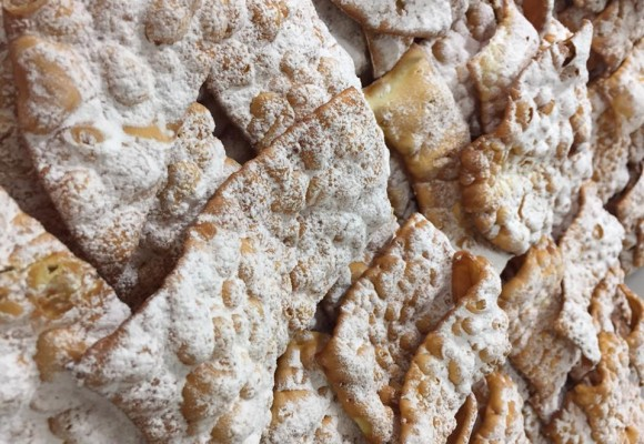 CHIACCHIERE E FRITTELLE IN ARRIVO!